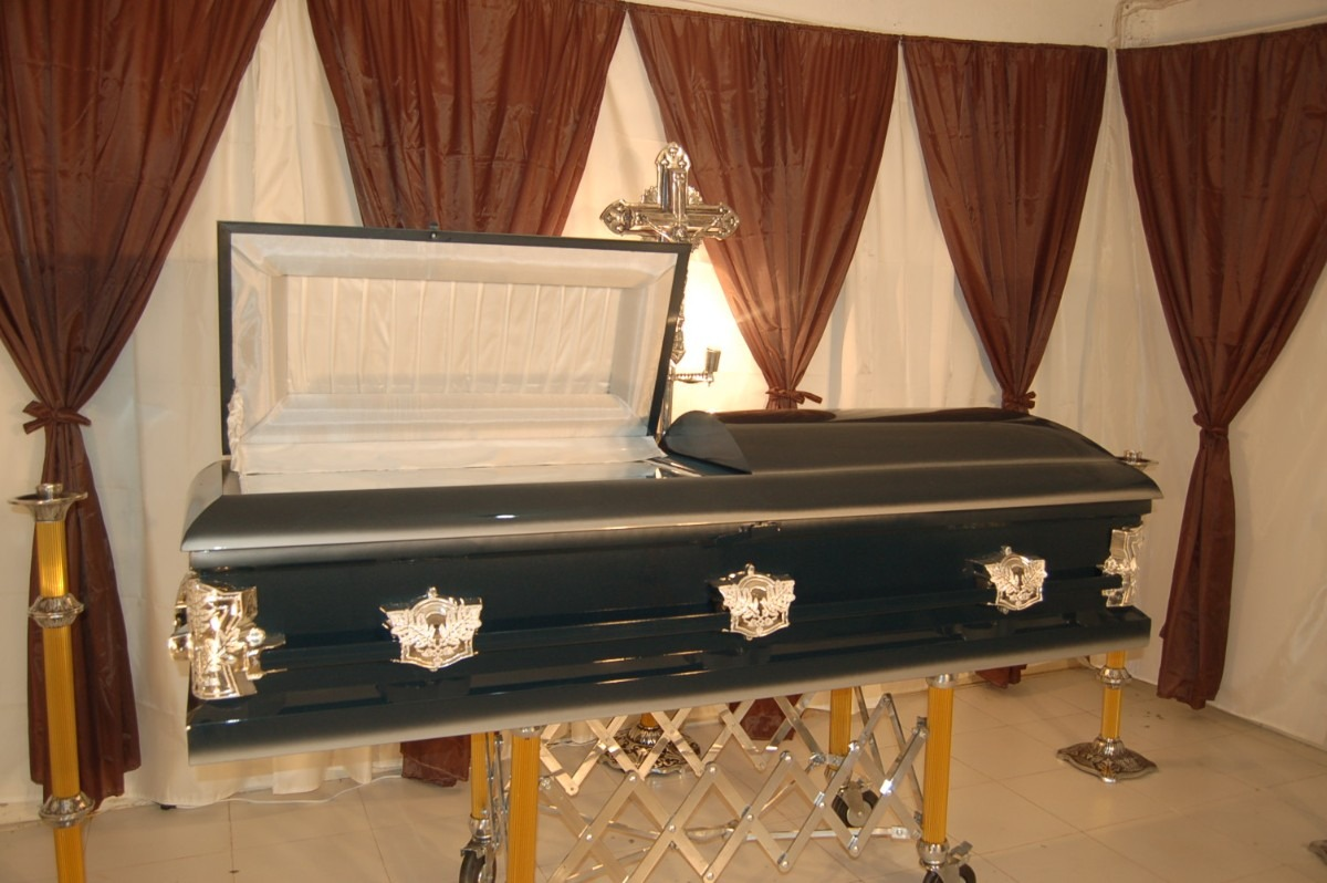 Una funeraria entrega por error un cad ver equivocado for Esquelas funeraria el mueble melide
